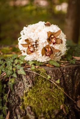20er Jahre Wedding Shooting - Standesamtliche Trauung - Brautstrauss