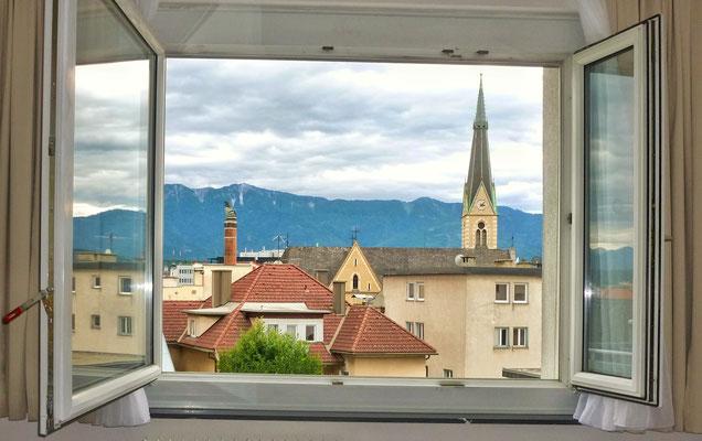 Blick aus meinem Hotel Fenster in Villach
