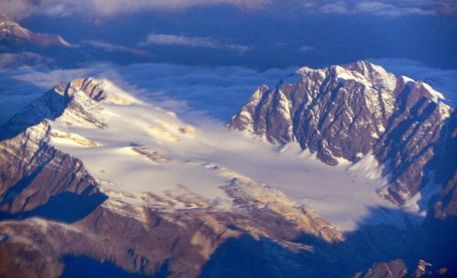 Flug nach Mailand über die Alpen