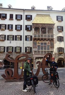 Vorm goldene Dachl in Innsbruck