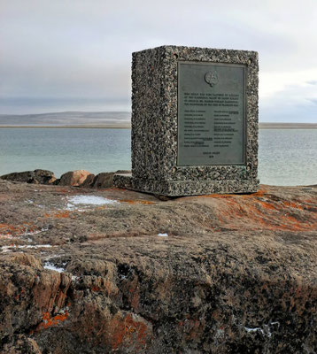 Memorial Mac Clintock