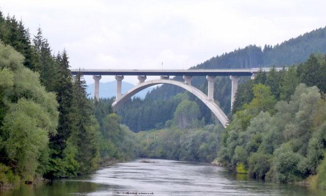 Autobahnbrücke endlich fertig
