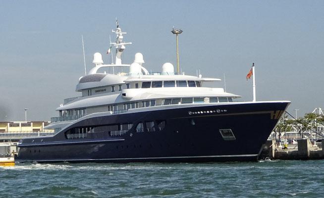 Wer 1 Million an die ÖVP spendet, kann sich so eine Yacht leisten!