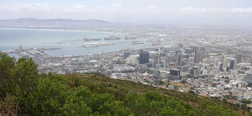 Blick vom Signal Hill auf den Hafen