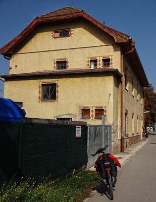 Traurig, der alte Bahnhof Stammersdorf