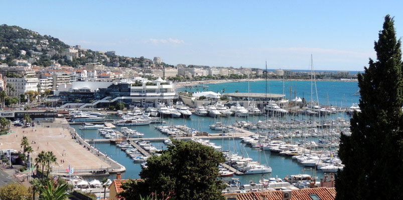 Blick auf den Yachthafen