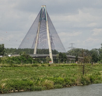Neue Donaubrücke bei Tulln