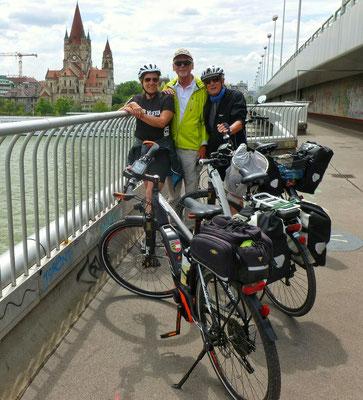 Über der Donau