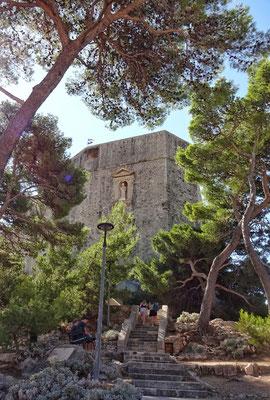 Aufstieg zur Festung Lovrjenac