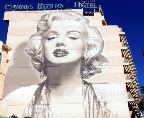 unser Hotel mit der Marilyn Bar