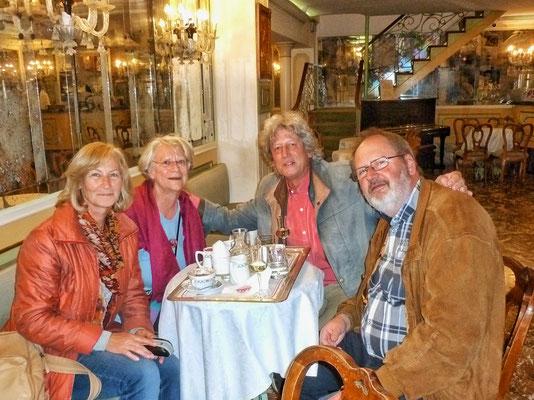 Im Café am Markus Platz