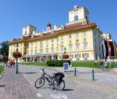 Eisenstadt mit Schloss Esterhazy