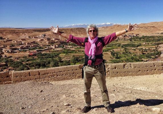 Am Gipfel des Berber Dorfs Ait Ben Haddou