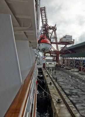Im Hafen von Tolanaro angekommen