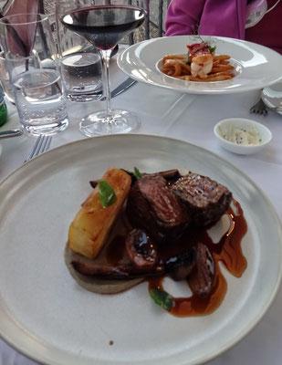 Hauptspeise Beefsteak und Lobster