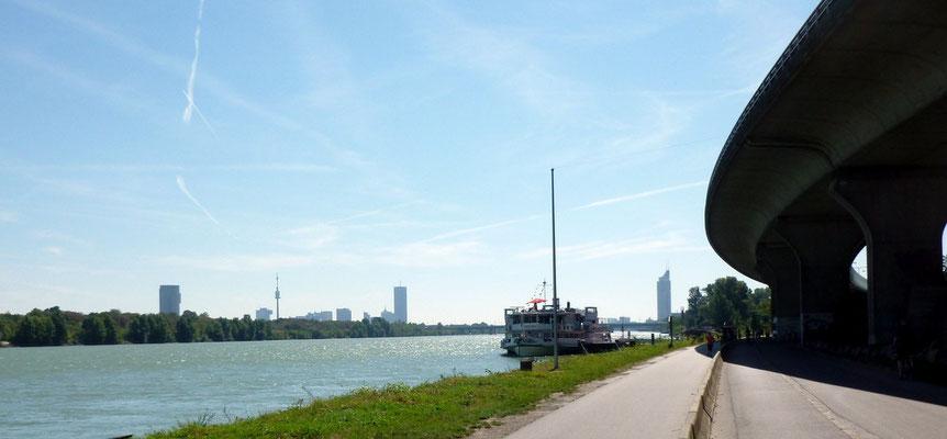 Ankunft Wien mit Skyline