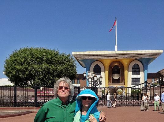 Vor dem Sultan Palast