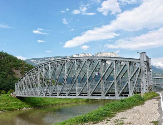 Radbrücke vor Bozen