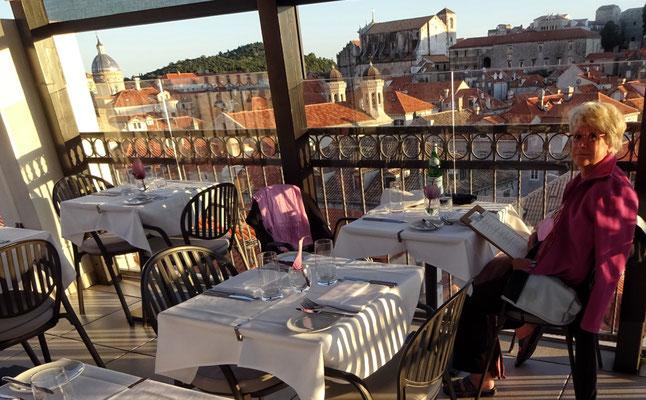 Im Restaurant Above 5