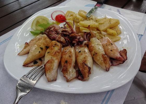 und  Tintenfisch vom Grill