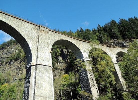 Bahnviadukt Mont Blanc Express