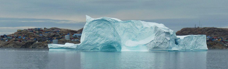 Hinterm Eisberg