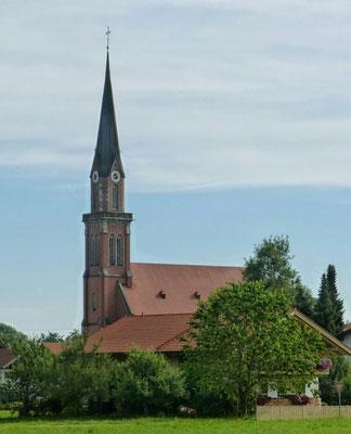 Kirche von Übersee im Süden des Chiemsees