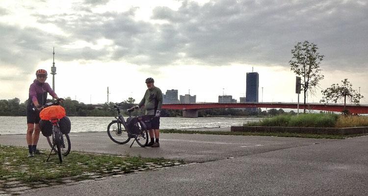 An der Donau, recht einsam