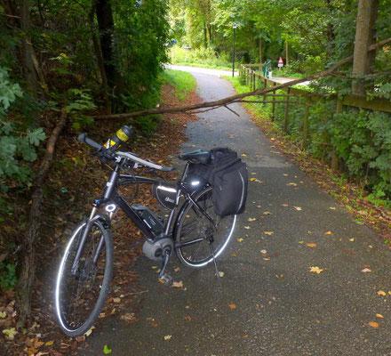 Hindernis am Radweg