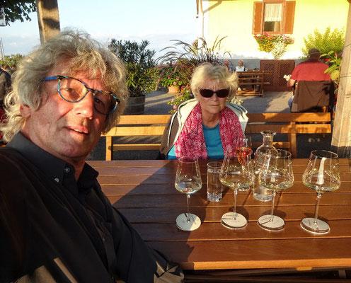 harte Arbeit > Weinverkosten...