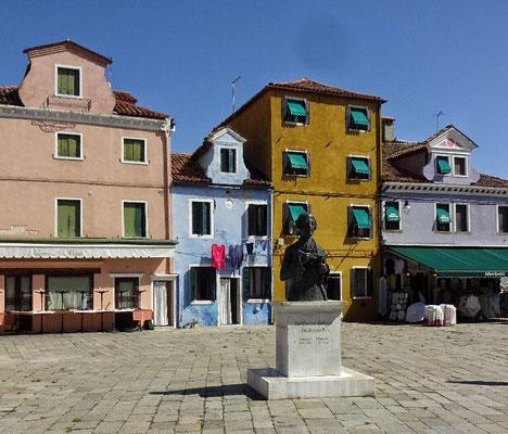 Hauptplatz von Burano