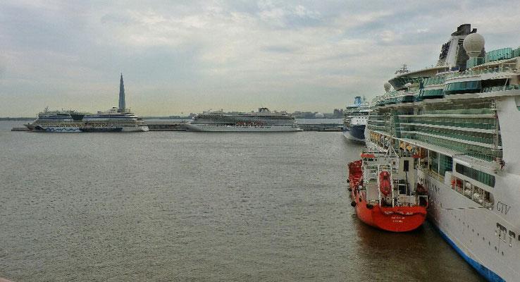 Im Hafen von St. Petersburg