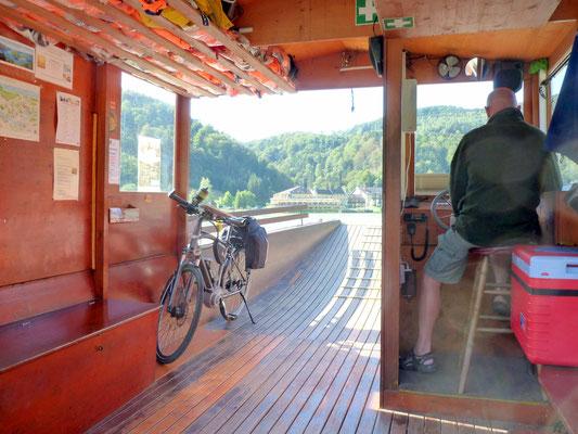 im Fährschiff bei Schlögen