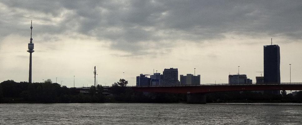 Donauturm und UNO City