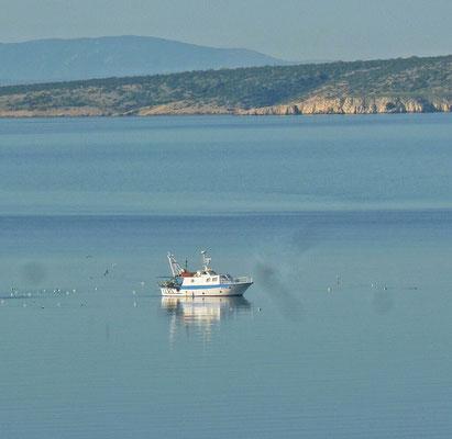 Morgens kehren die Fischer heim