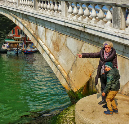 bei der Bahnhofsbrücke mit Osama