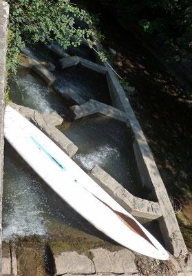 Aufstiegshilfe für Surfbretter