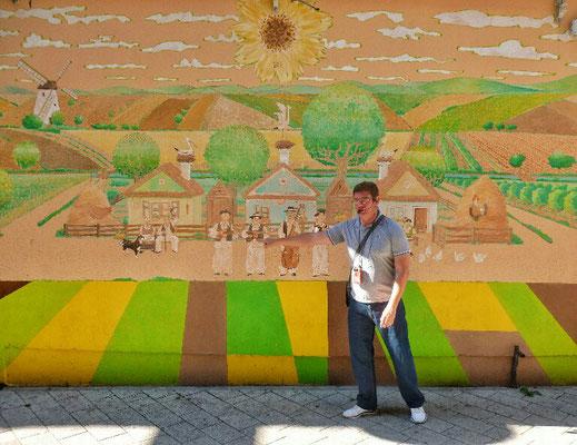 Unser Guide Igor erklärt die Musik der Region