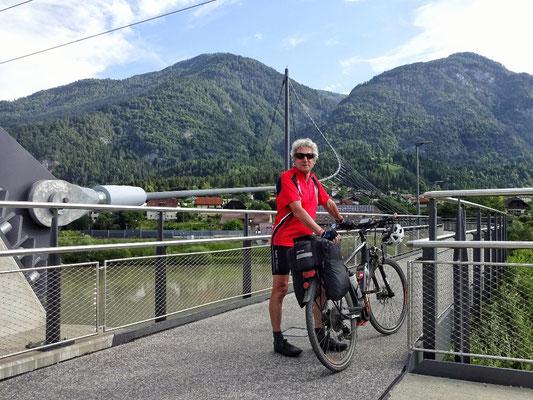 Neue Radbrücke bei Puch