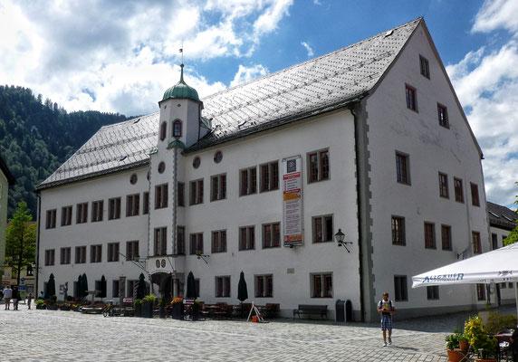 ... Schloss und...