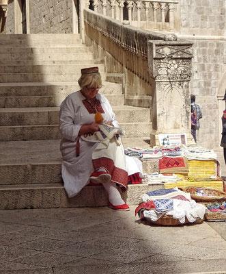 Frau in Dubrovniker Tracht