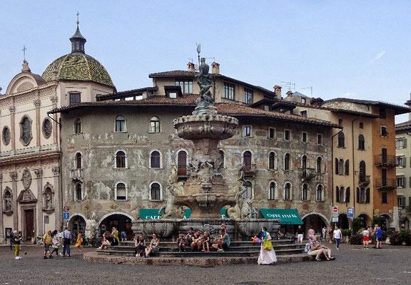 Am Domplatz von Trento