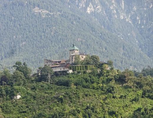 Viele Burgen im Brenttal