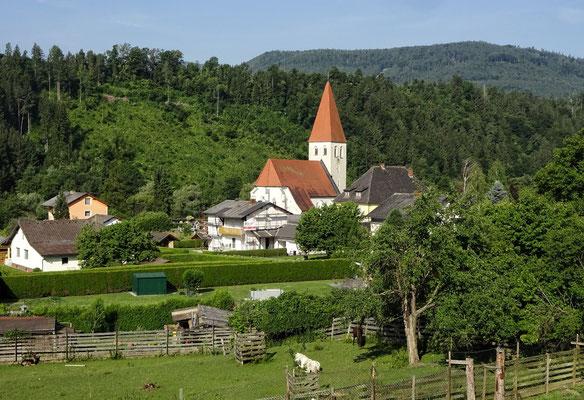Blick von meinem Hotel Balkon auf die Kirche Lavamünd/Pfarrdorf
