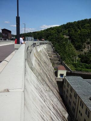 Staumauer der EON