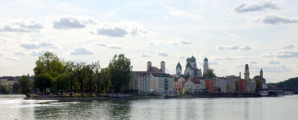 vom Zusammenfluss Donau - Inn aus