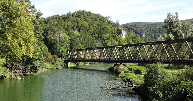 Eisenbahn Brücke über die Donau