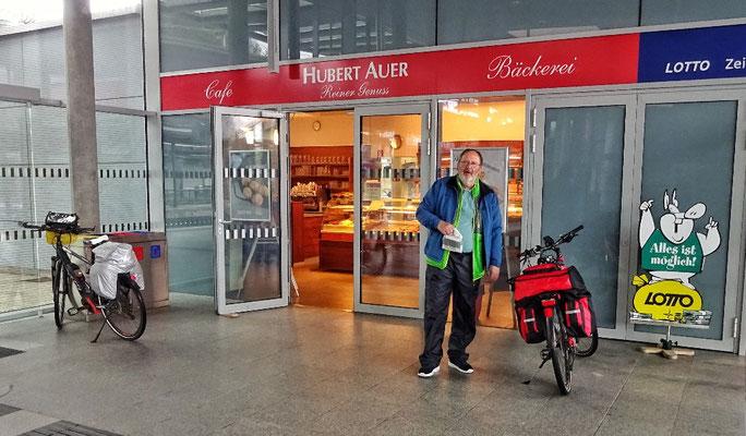 Topfengolatsche im Bahnhof Bruck an der Mur