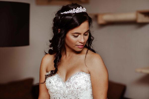 Braut beim Getting Ready in Braunschweig