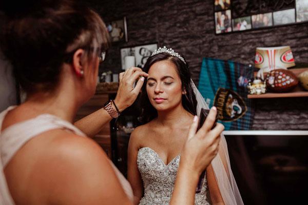 Braut wird gestylt